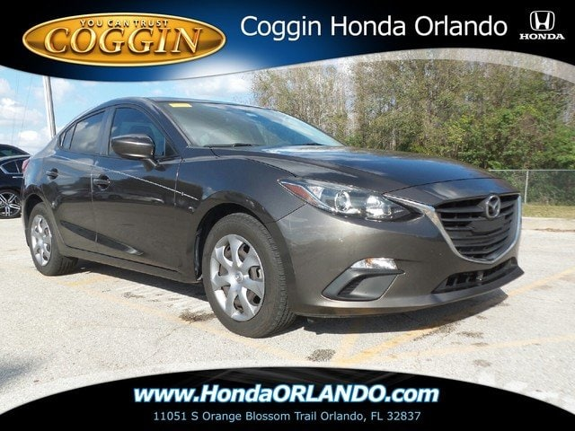 Photo Pre-Owned 2014 Mazda Mazda3 i Sport Sedan in Orlando FL