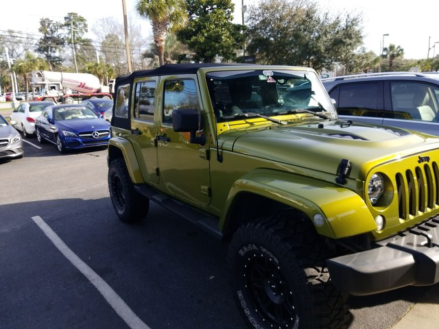 Photo Pre-Owned 2007 Jeep Wrangler Unlimited Sahara Four Wheel Drive SUV