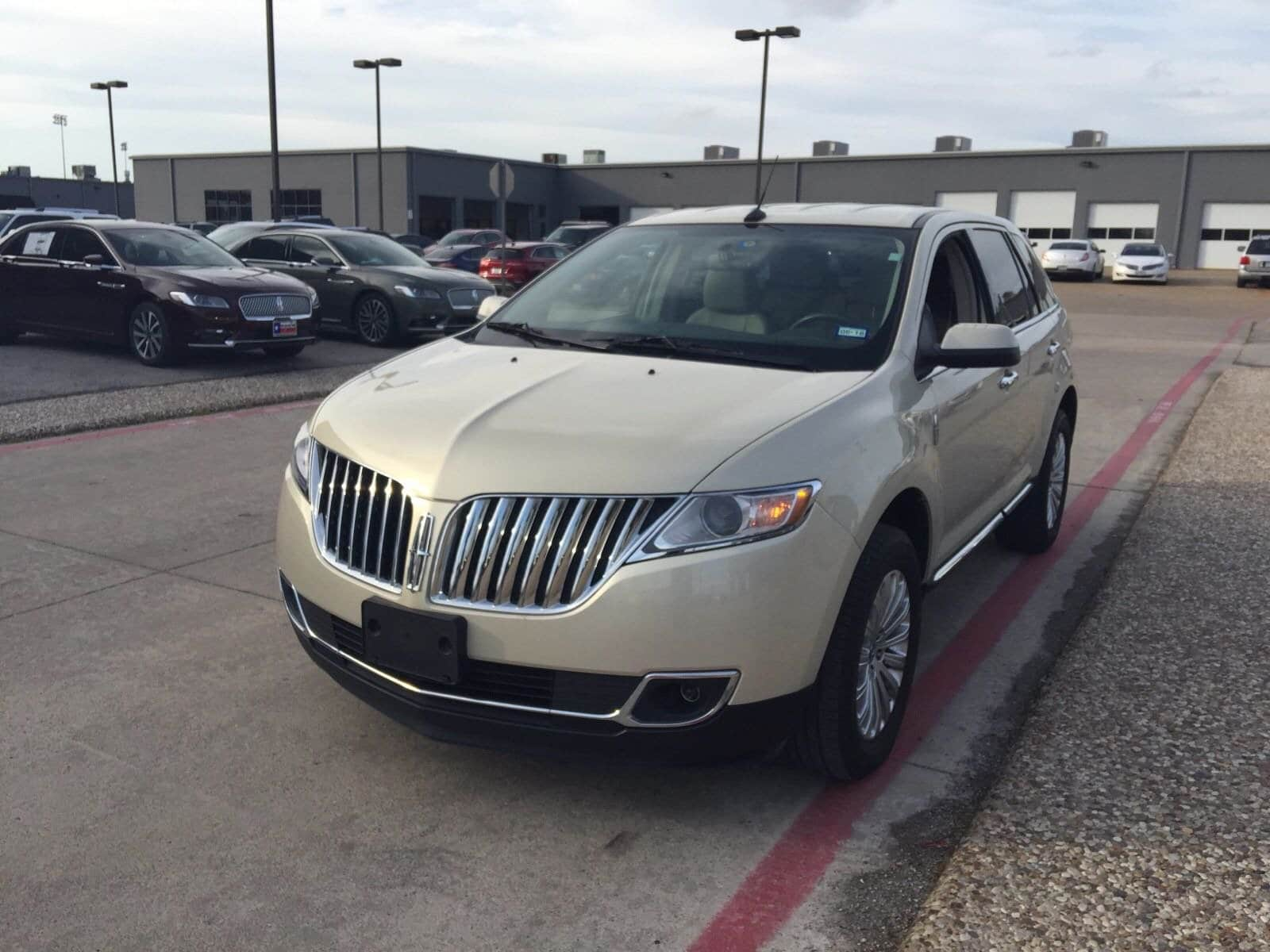 Photo Pre-Owned 2015 Lincoln MKX FWD 6 in PlanoDallasFort Worth TX
