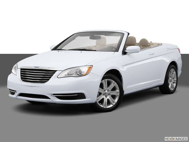 Photo Used 2014 Chrysler 200 Touring Convertible For Sale Dartmouth, MA