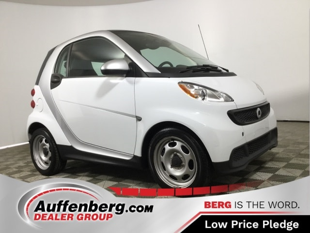 Photo Used 2014 Smart Fortwo Pure Coupe I3 for sale in OFallon IL