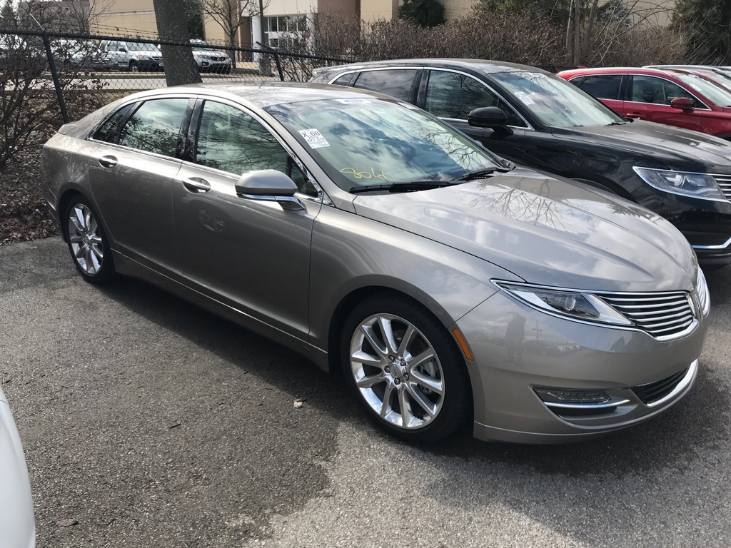Photo Certified Pre-Owned 2015 Lincoln MKZ Select FWD 4D Sedan