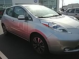 Photo Used 2015 Nissan LEAF in Cincinnati, OH