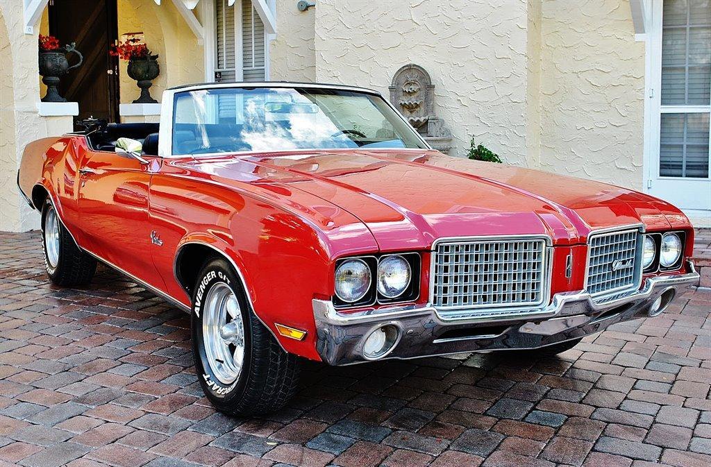 Photo 1972 Oldsmobile Cutlass Supreme