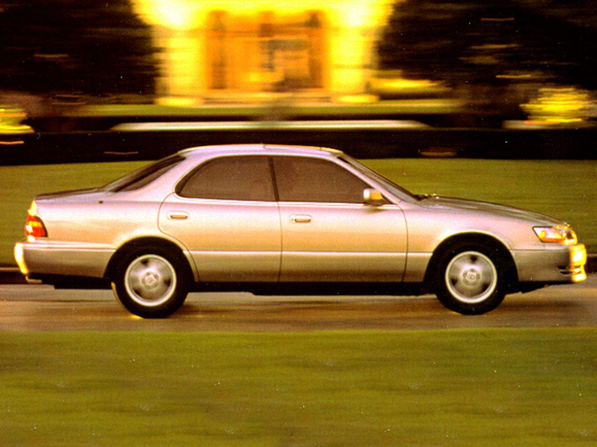 Photo Used 1995 LEXUS ES 300 300 Sedan in Williamsburg, VA