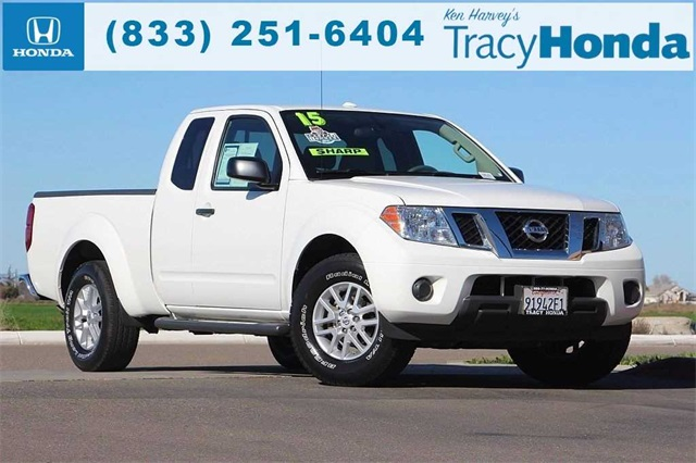 Photo Pre-Owned 2015 Nissan Frontier 5-Speed RWD King Cab