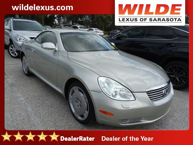 Photo Pre-Owned 2002 Lexus SC 430 RWD Convertible