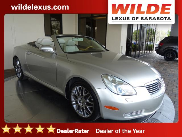 Photo Pre-Owned 2004 Lexus SC 430 RWD Convertible