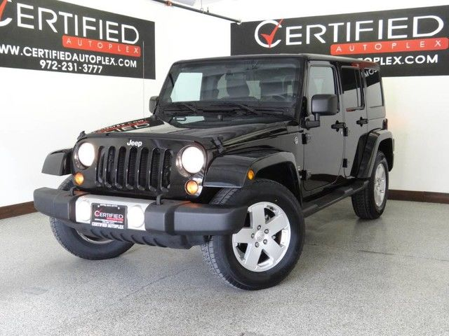 Photo 2012 Jeep Wrangler Unlimited UNLIMITED SAHARA 4WD HARD TOP NAVIGATION RUNNING BOARDS PREMIUM WHEELS