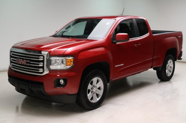 Photo Used 2016 GMC Canyon 4WD Ext Cab 128.3 SLE in Brunswick, OH, near Cleveland