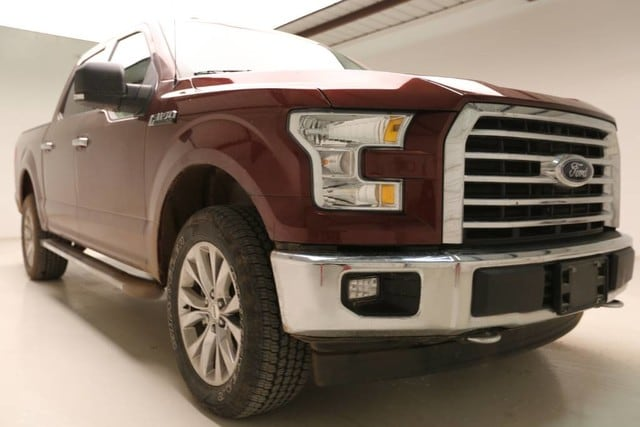 Photo Used 2017 Ford F-150 XLT Texas Edition Crew Cab 4x4 Fx4 in Vernon TX