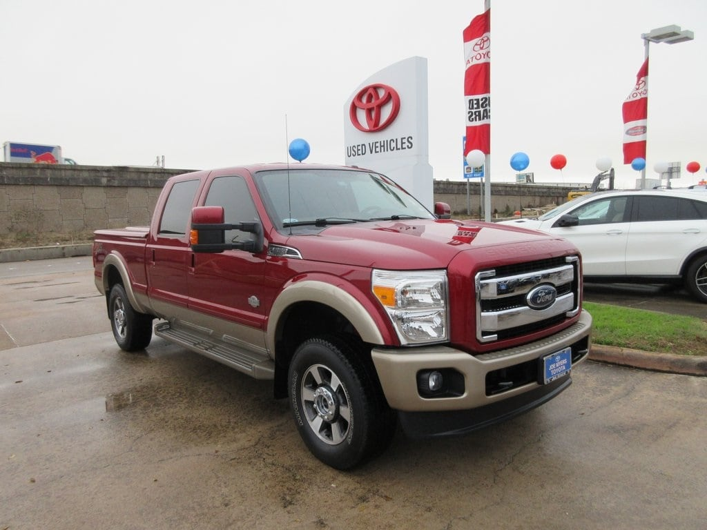 Photo Used 2013 Ford F-250SD King Ranch Truck 4WD For Sale in Houston