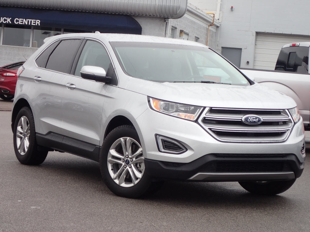 Photo Used 2016 Ford Edge SEL SUV I-4 cyl for Sale in Saint Louis, MO
