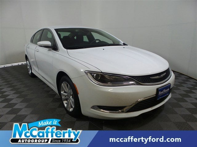 Photo Used 2016 Chrysler 200 For Sale  Langhorne PA - Serving Levittown PA  Morrisville PA  1C3CCCAB5GN153528