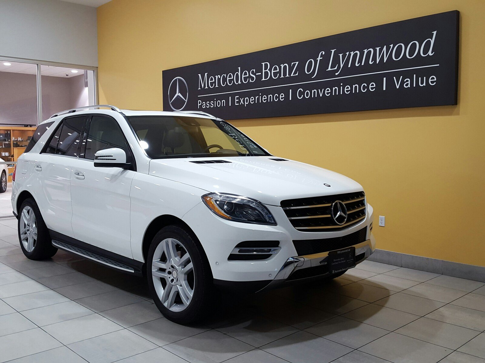 Photo Certified Pre-Owned 2015 Mercedes-Benz ML 350 4MATIC