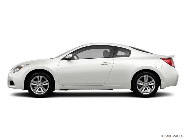 Photo Used 2013 Nissan Altima 2.5 S Coupe For Sale in Colorado Springs, CO