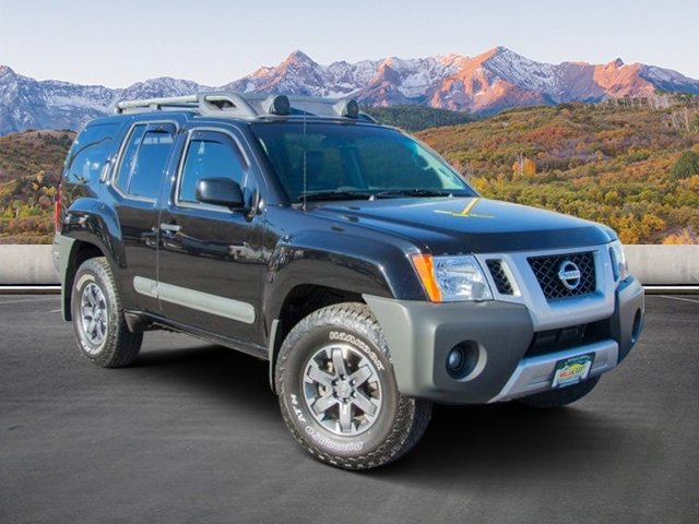 Photo Pre-Owned 2014 Nissan Xterra Pro-4X With Navigation  4WD