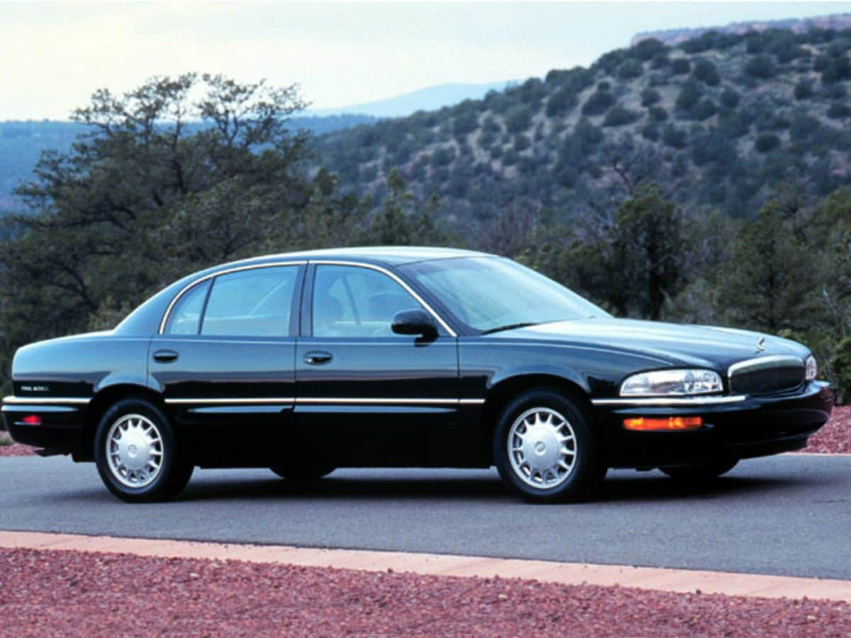 Photo Used 1999 Buick Park Avenue Base in Cincinnati, OH