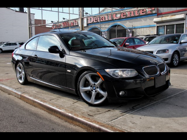 Photo 2011 BMW 3-Series 335i Coupe M Sport Red Interior