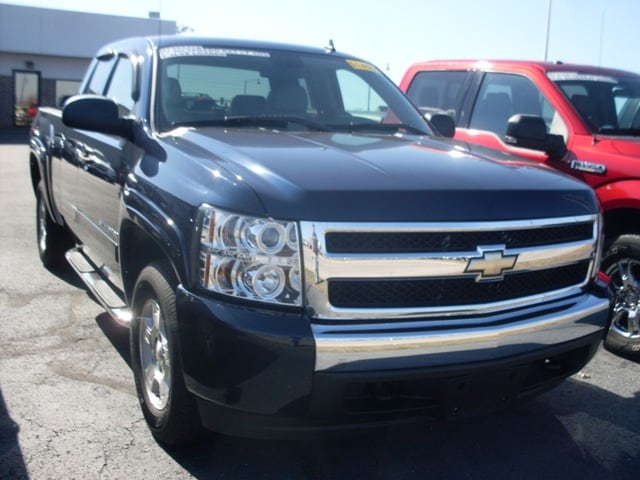 Photo 2007 Chevrolet Silverado 1500 LT2 Truck Extended Cab for Sale in Saint Robert
