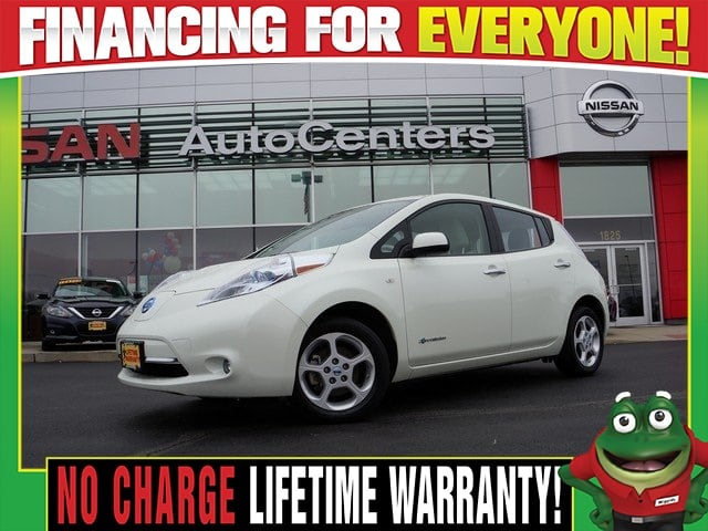 Photo Used 2012 Nissan LEAF SV - Navigation - Heated Seats - 100 Electric For Sale Near St. Louis