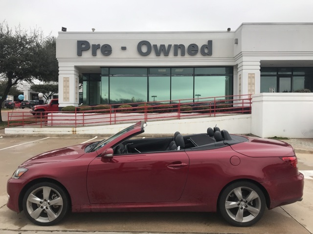 Photo PRE-OWNED 2011 LEXUS IS 250 C RWD 2D CONVERTIBLE