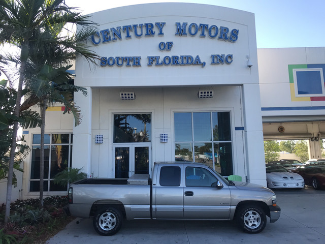 Photo 2001 Chevrolet Silverado 1500 LT 4 Door Extended Cab Heated Leather CD Tow