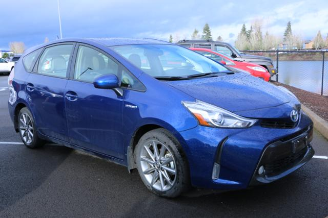 Photo Used 2016 Toyota Prius v 5dr Wgn Five in Salem, OR