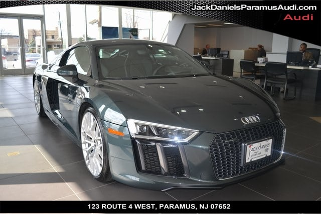 Photo Used 2017 Audi R8 5.2 Coupe For Sale in Paramus, NJ