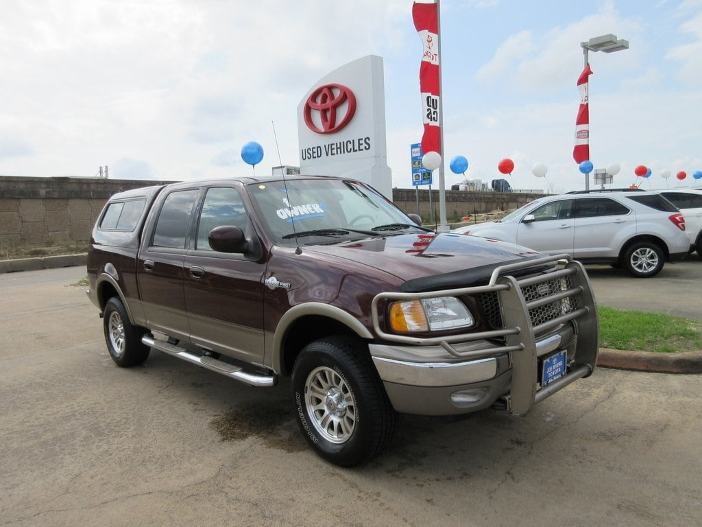 Photo Used 2003 Ford F-150 King Ranch Truck 4WD For Sale in Houston