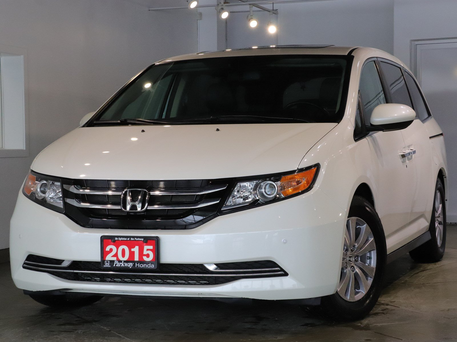 Photo Pre-Owned 2015 Honda Odyssey EXL RES - ONE OWNER CLEAN CARPROOF SAFE SPACIOUS FWD Mini-van, Passenger