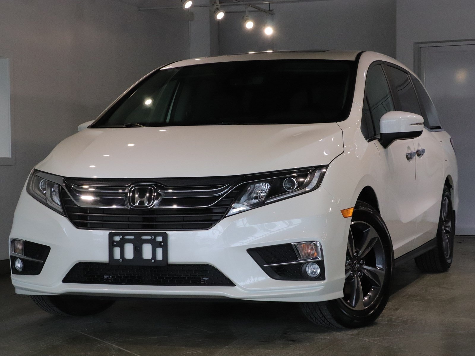 Photo Pre-Owned 2018 Honda Odyssey EX-L - ROAD TRIP READY COMFORTABLE FWD Mini-van, Passenger