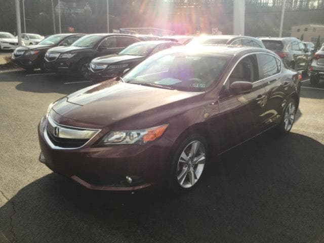 Photo Pre-Owned 2013 Acura ILX in Greensburg, PA