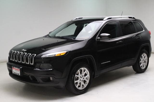 Photo Certified Used 2015 Jeep Cherokee Latitude 4x4 in Brunswick, OH, near Cleveland