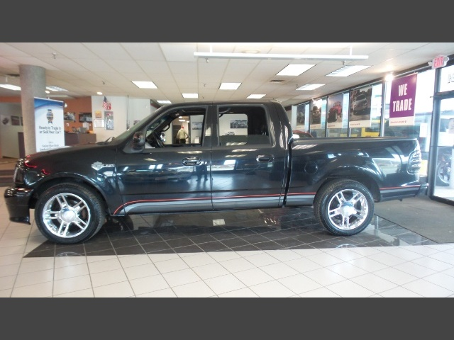 Photo 2001 Ford F-150 Harley Davidson for sale in Hamilton OH