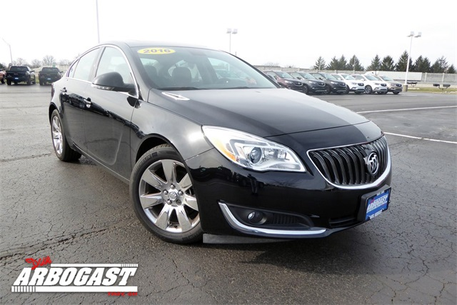 Photo Pre-Owned 2016 Buick Regal Premium II With Navigation  AWD