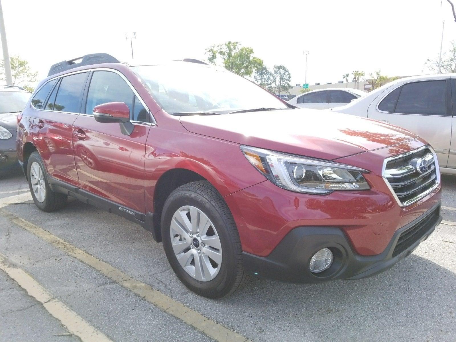 Photo Used 2018 Subaru Outback 2.5i Premium with SUV For Sale Leesburg, FL