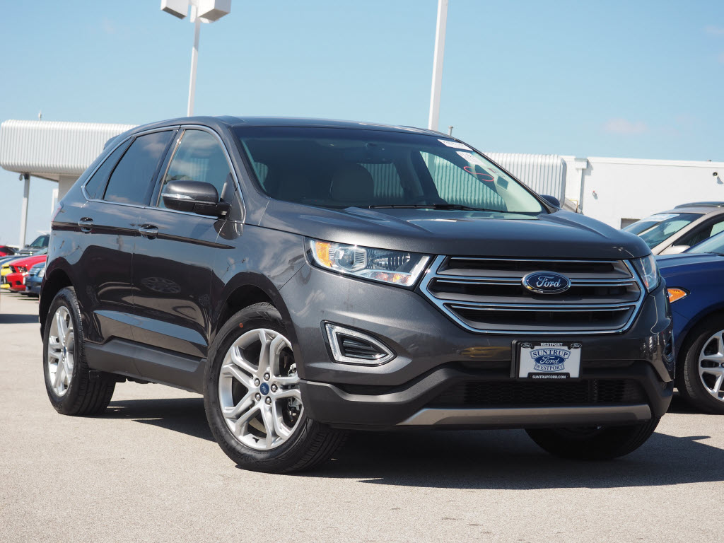 Photo Used 2017 Ford Edge Titanium SUV V-6 cyl for Sale in Saint Louis, MO