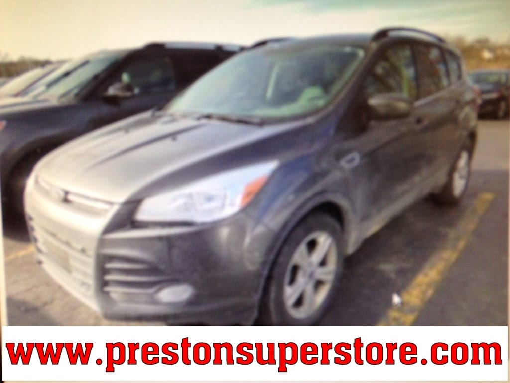 Photo Certified Used 2016 Ford Escape SE SUV in Burton, OH