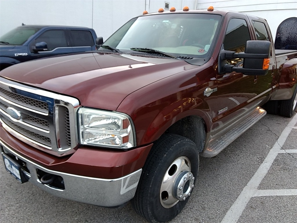 Photo Pre-Owned 2006 Ford F-350SD King Ranch 4WD