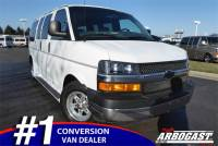 Pre-Owned 2004 Chevrolet Conversion Van Starcraft RWD Van Conversion