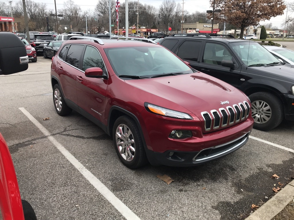 Photo Pre-Owned 2015 Jeep Cherokee Limited with Navigation