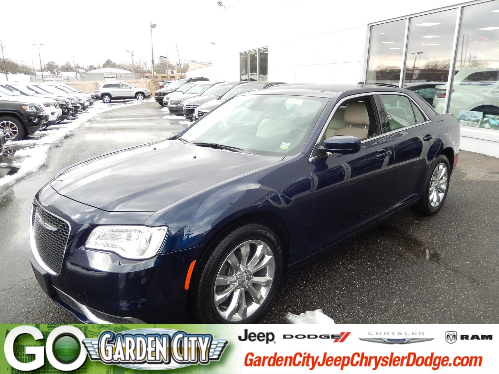 Photo Certified Used 2017 Chrysler 300 Limited Limited AWD For Sale  Hempstead, Long Island, NY