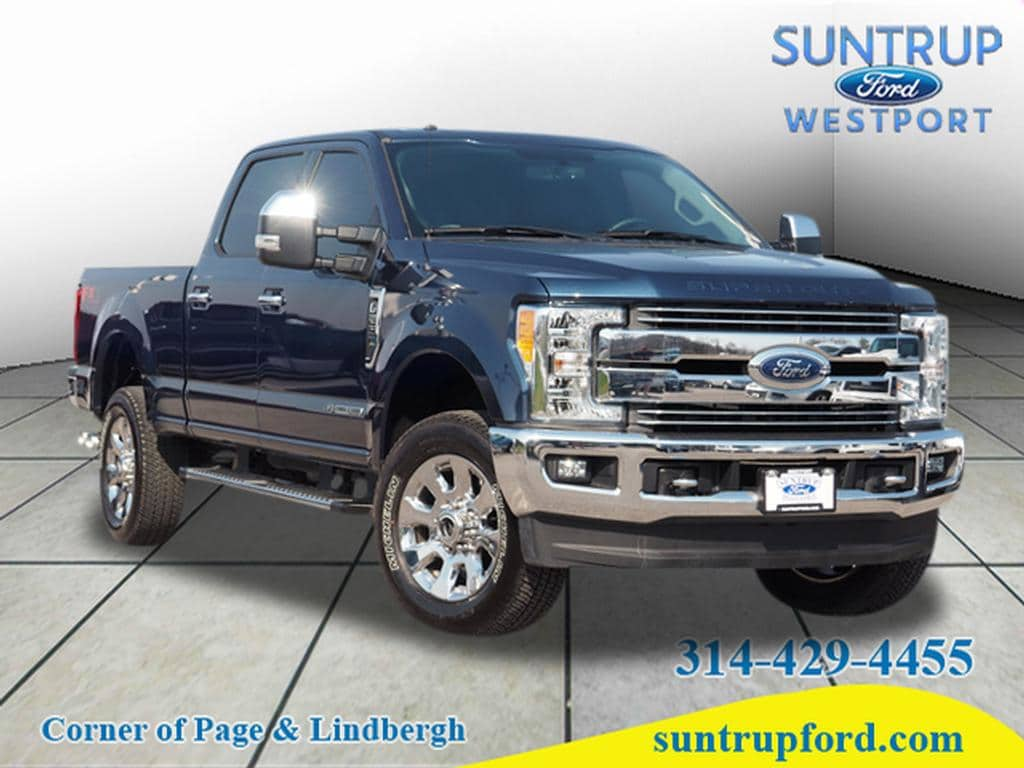 Photo Used 2017 Ford F-250 Lariat Truck Crew Cab V-8 cyl for Sale in Saint Louis, MO