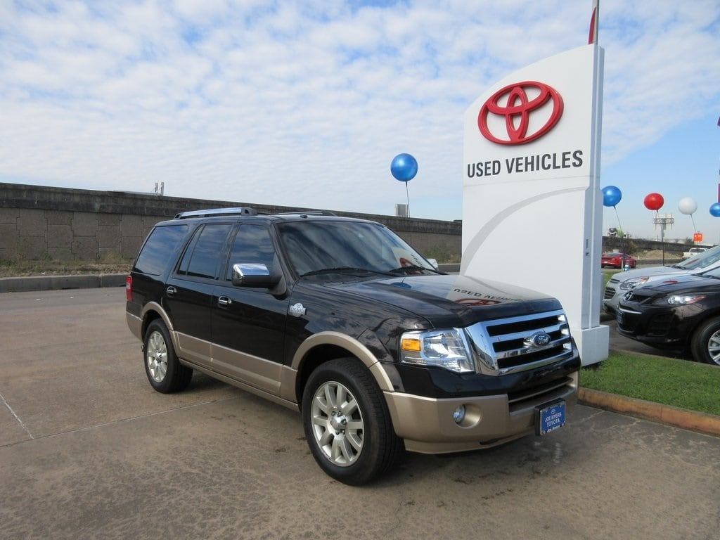 Photo Used 2013 Ford Expedition King Ranch SUV RWD For Sale in Houston