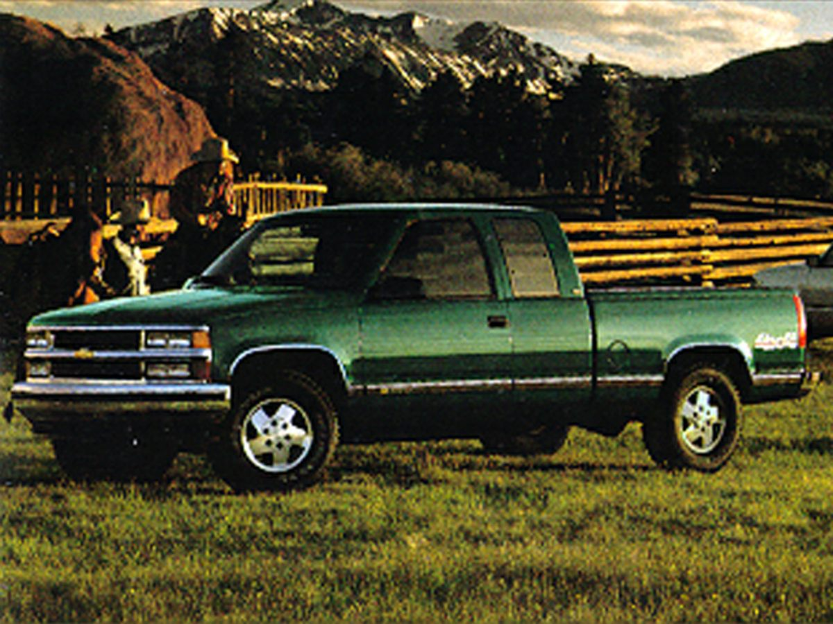 Photo Pre-Owned 1995 Chevrolet CK 1500 Cheyenne 4WD