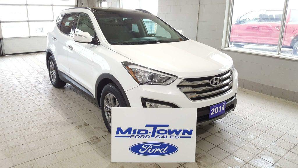 Photo Used 2014 Hyundai Santa Fe Sport AWD 4dr 2.4L LUXURY All Wheel Drive 4 Door Sport Utility