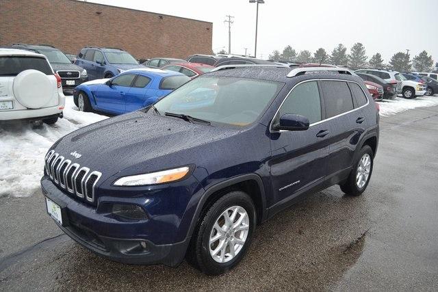 Photo 2015 Jeep Cherokee Latitude in Akron, OH 44312