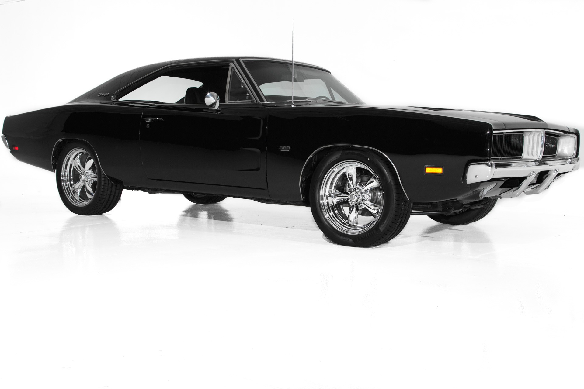 Photo 1969 Dodge Charger Black 383 Big Block 4 speed