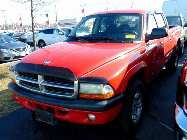 Photo Used 2004 Dodge Dakota Sport Truck Quad Cab in Waukesha, WI